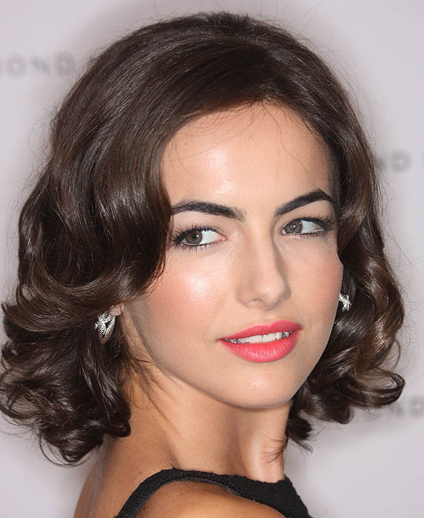 Short Retro Bob Hairstyle The Latest Trends In Women S Hairstyles And Beauty