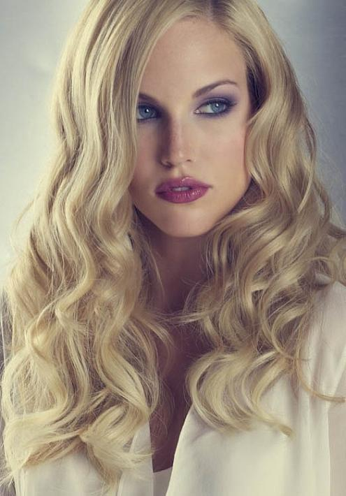 Wedding Loose Curls Hairstyle - The latest trends in women