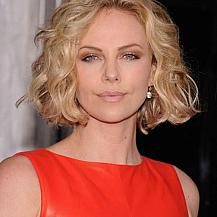 Charlize Theron Wavy Chin Length Hairstyle
