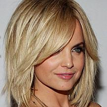 Mena Suvari Layered Hair