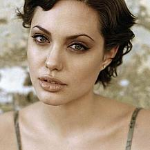 Angelina Jolie Short Wavy Hair