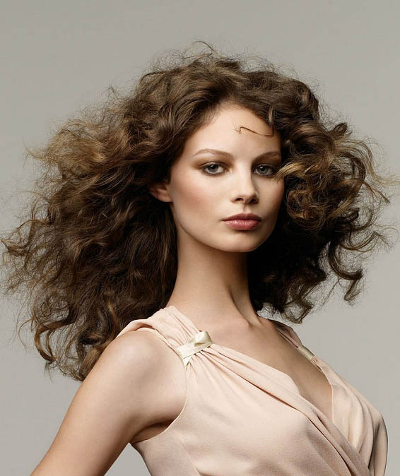soft curly hair styles soft curly hairstyle the trends in s 8501